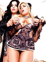 Roxy Deville lets Teagan Presley know who is in charge!