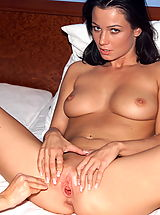 venus 01 fisted pussy inside view
